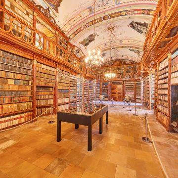 Stiftsbibliothek 19 011 Klein